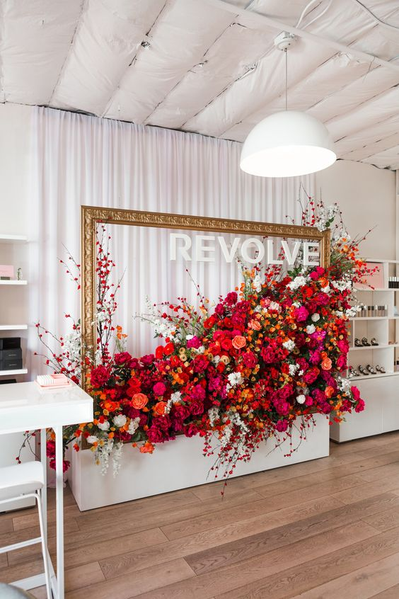 Pop-up store REVOLVE à Los Angeles