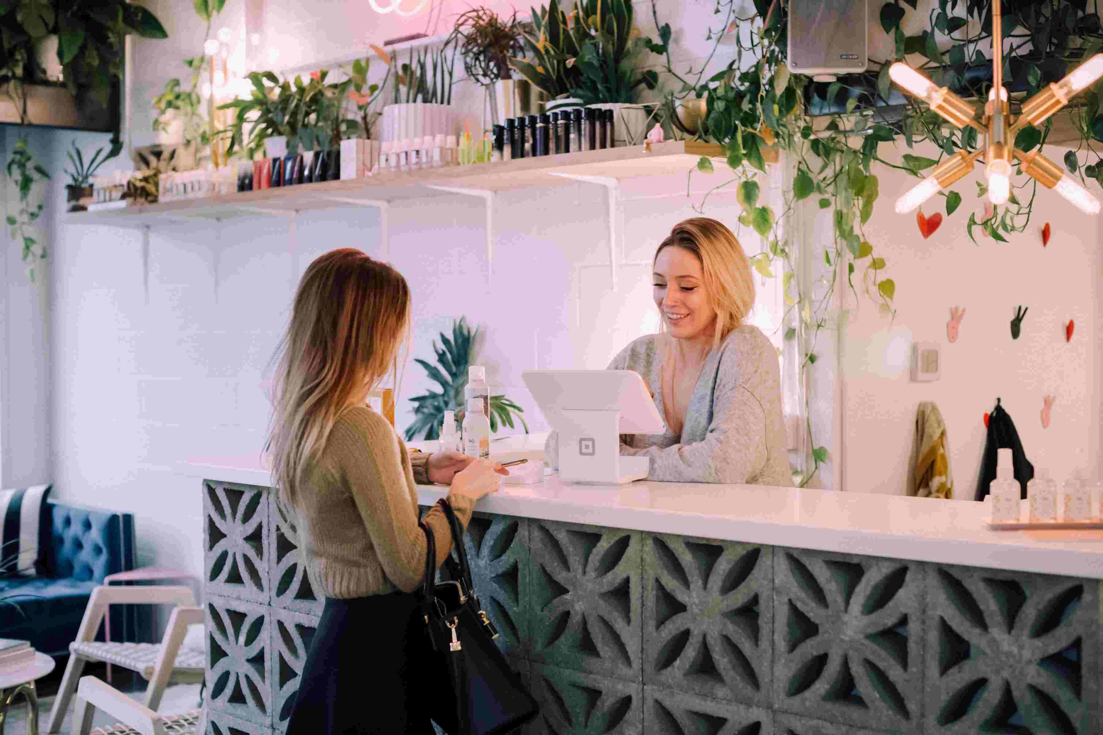 Comment mettre en avant son service de personnalisation en boutique ?