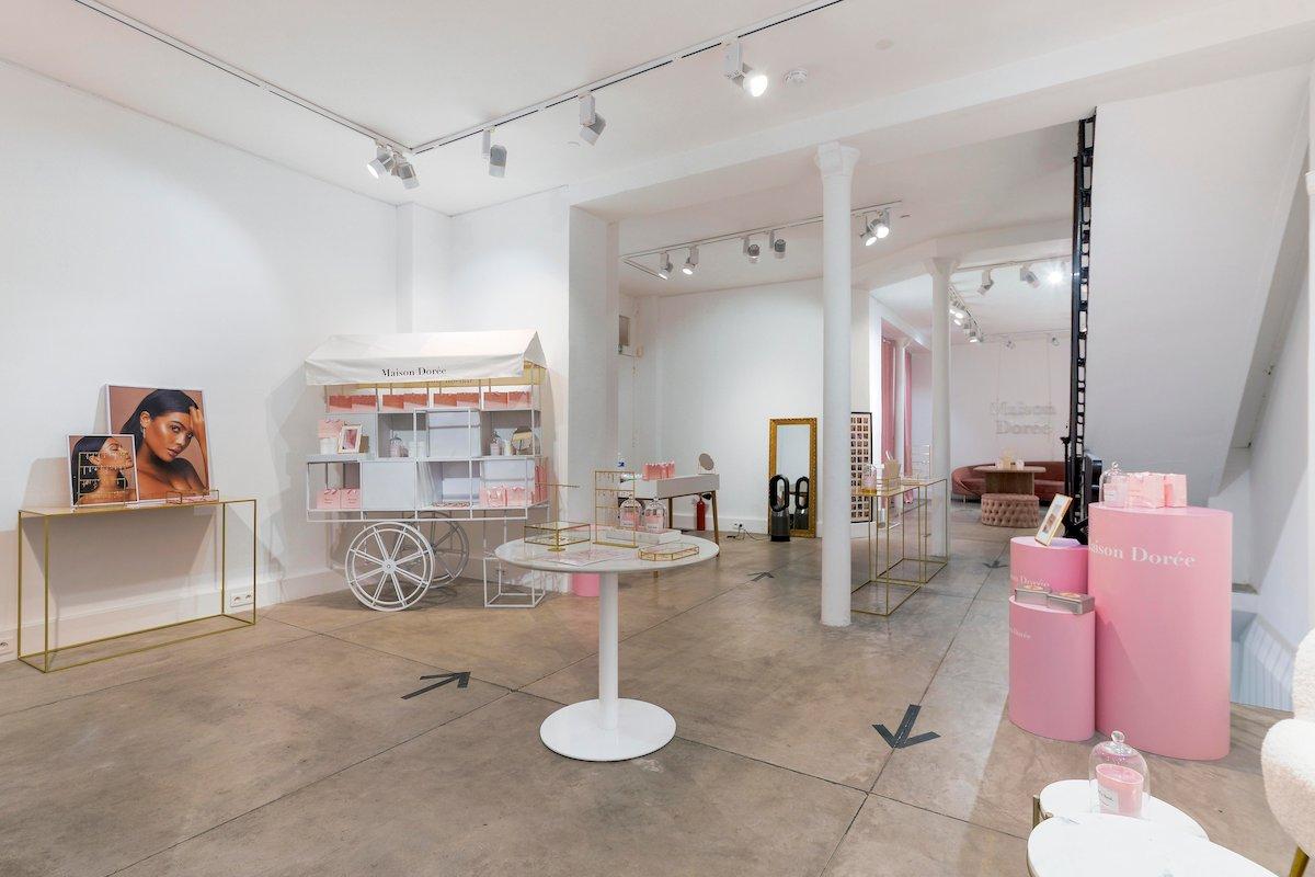 Pop up store Maison Dorée influenceuse Chloé B