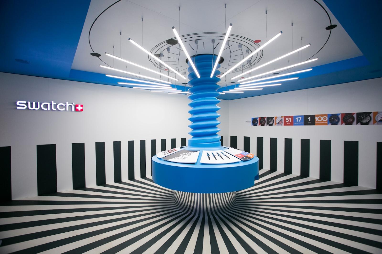 Première boutique éphémère de Swatch en 2014 sur les Champs-Elysées