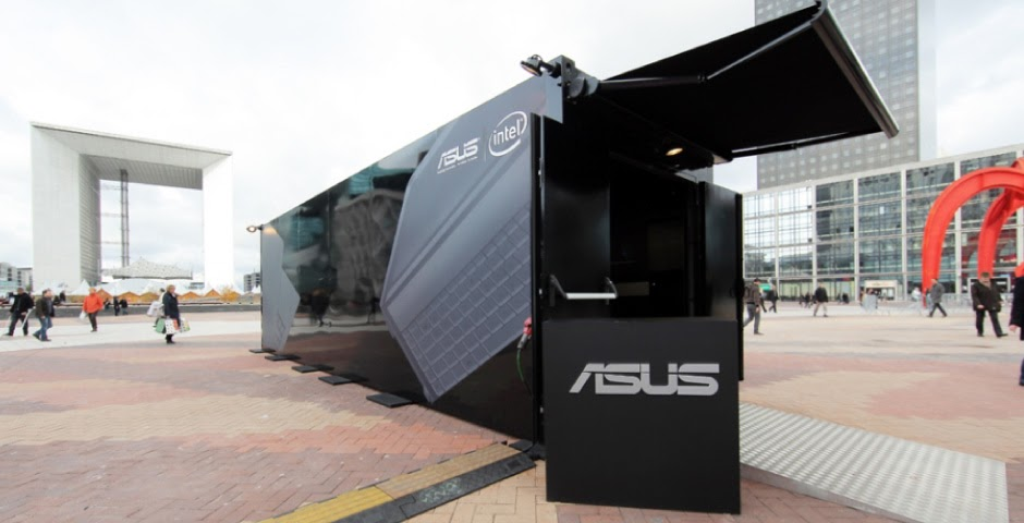 Pop up store container de la marque Asus
