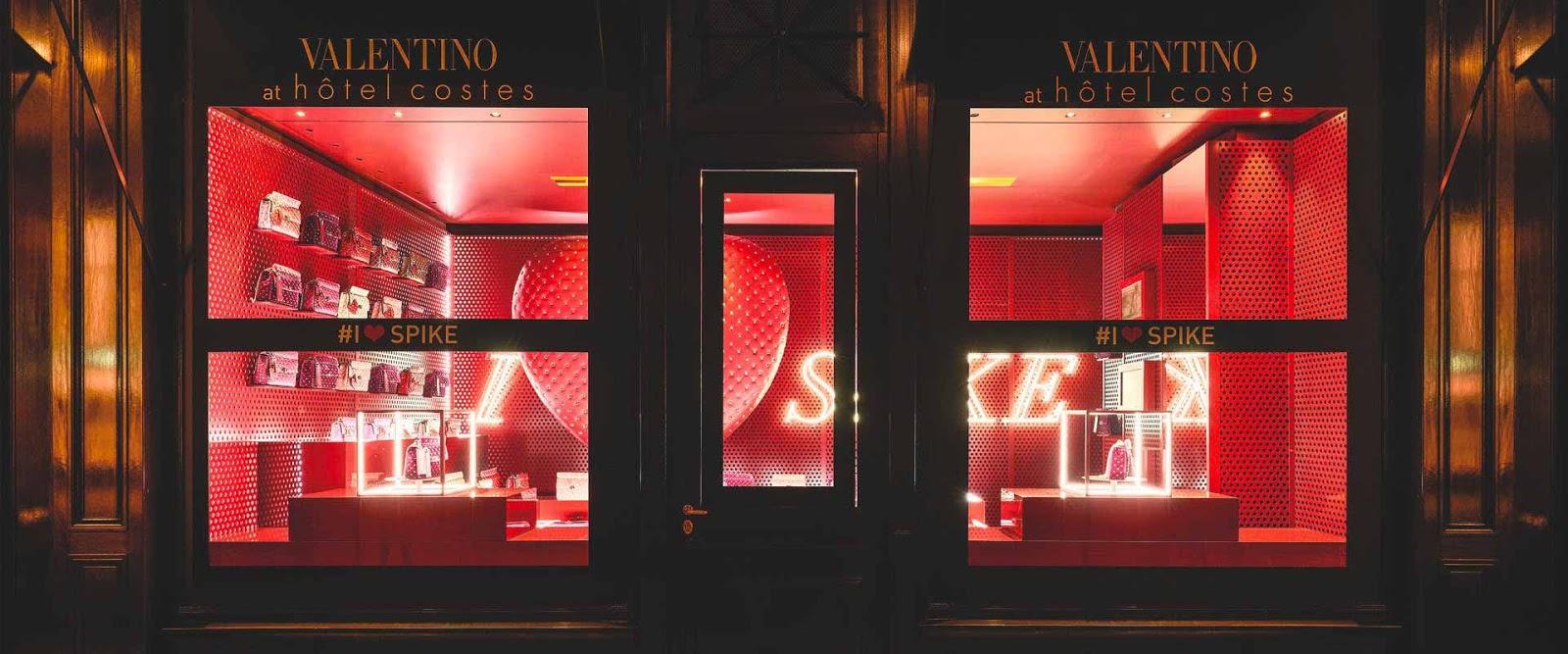 Pop up store Valentino au sein de l'hôtel Costes, à Paris