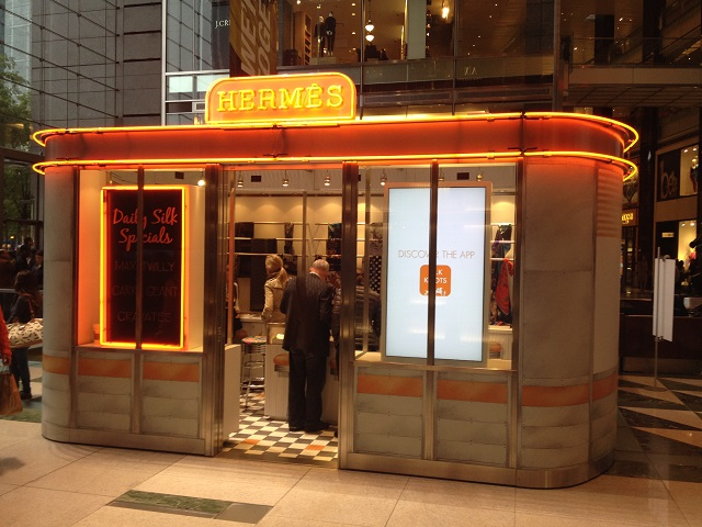 Kiosque hermès pop up store