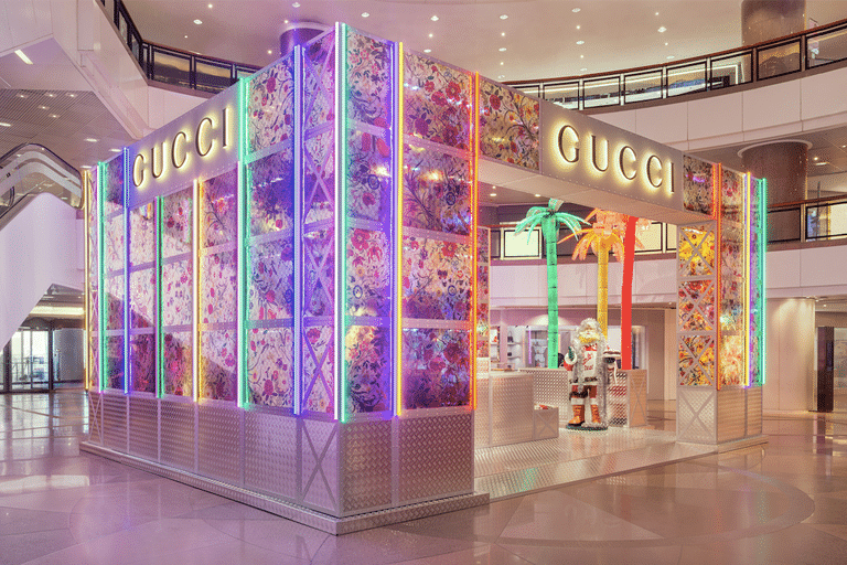 "Exposition du pop-up ""pin"" Gucci en Asie ©Gucci"