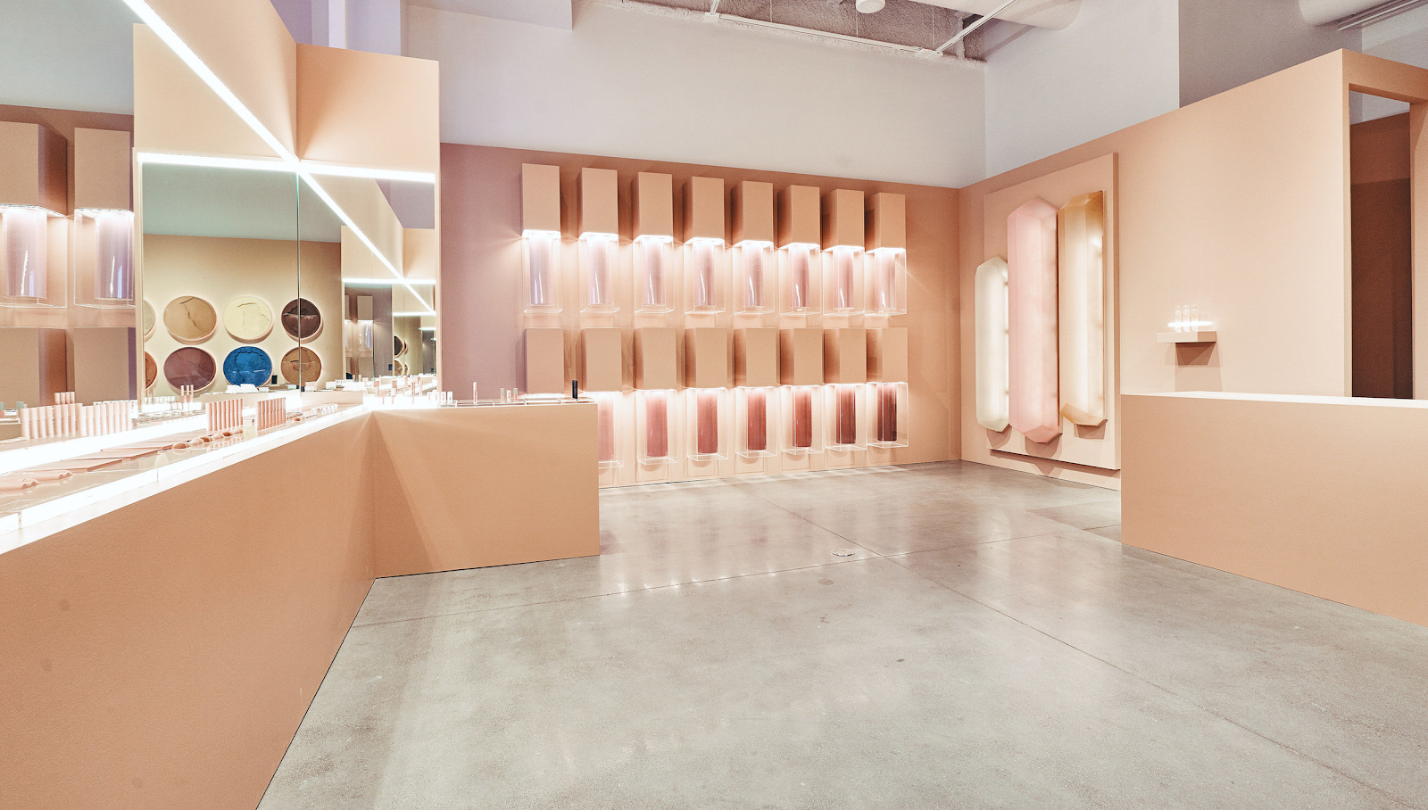 Pop up store KKW Beauty ©Marla Sparks