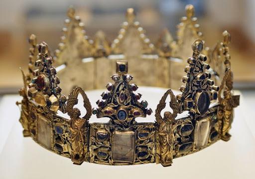Les Carolingiens : Préparer une animation digne des rois de France en Ehpad ou en résidence autonomie