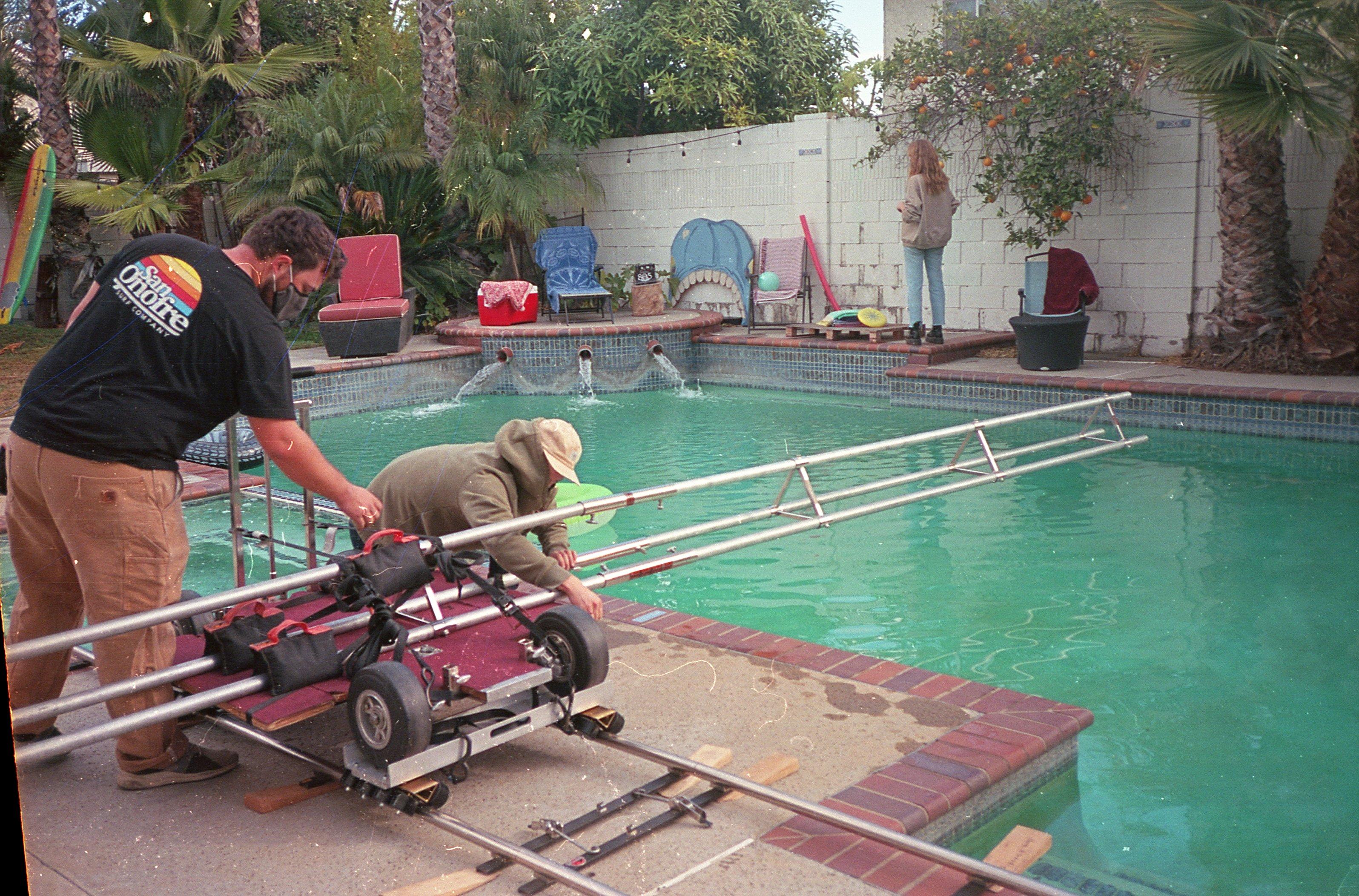 Underwater pool rig Genie