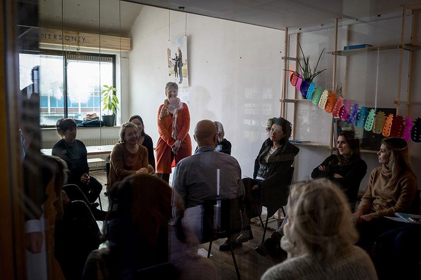 EDEX - Social Design Events -  Lorna Minkman heeft de aandacht tijdens de uitleg