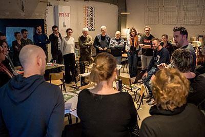 EDEX event - een grote groep mensen luistert naar Jochem Goedhals van Fontys Pulsed