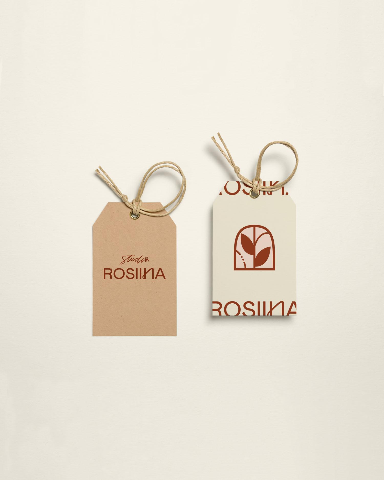 Studio Rosiinan vaatetagit logolla ja brändimerkillä