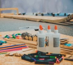 Handycraft materials inclusing glue and pencils available during Fontys Pulsed minor