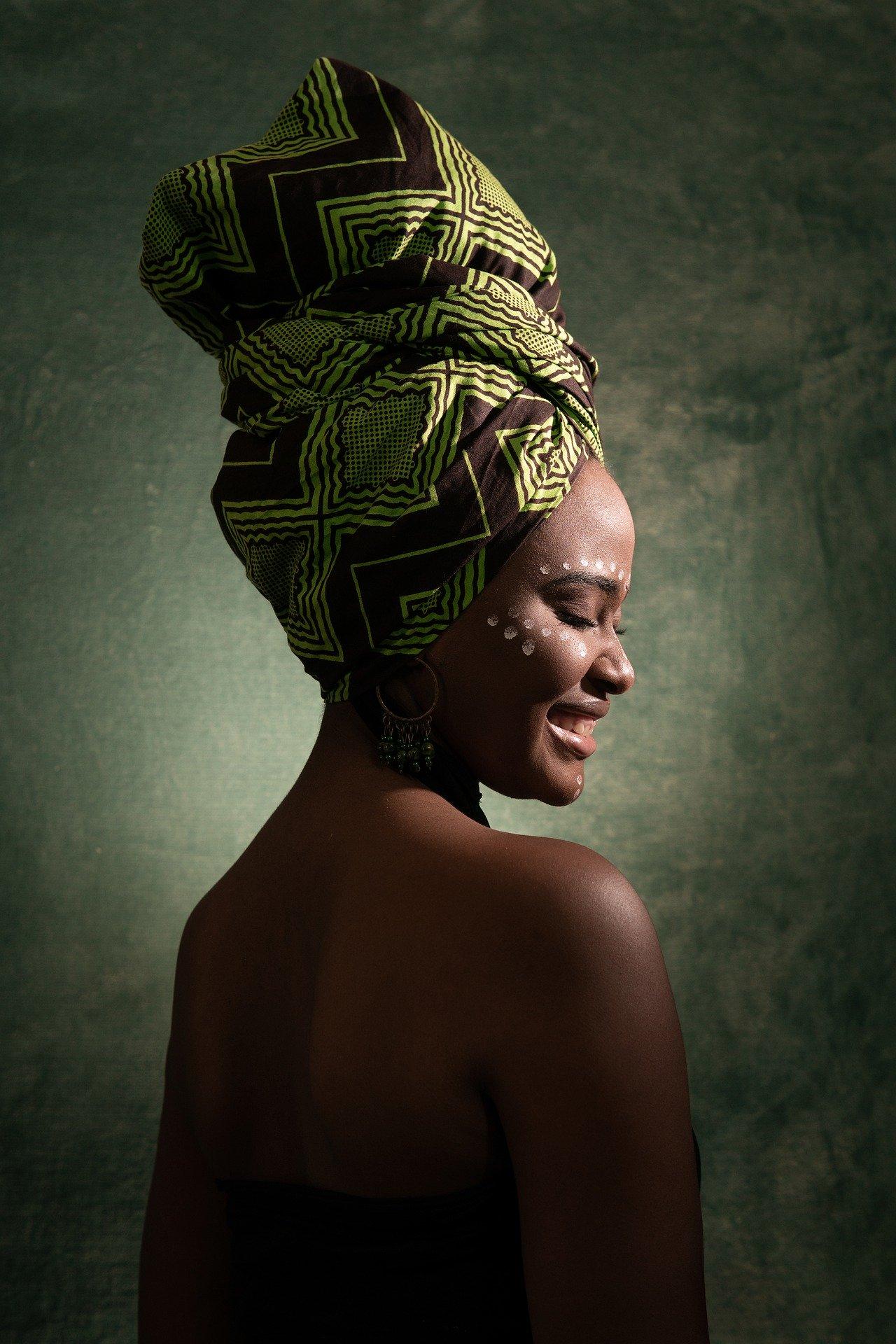 https://pixabay.com/photos/woman-african-people-black-girl-4685862/