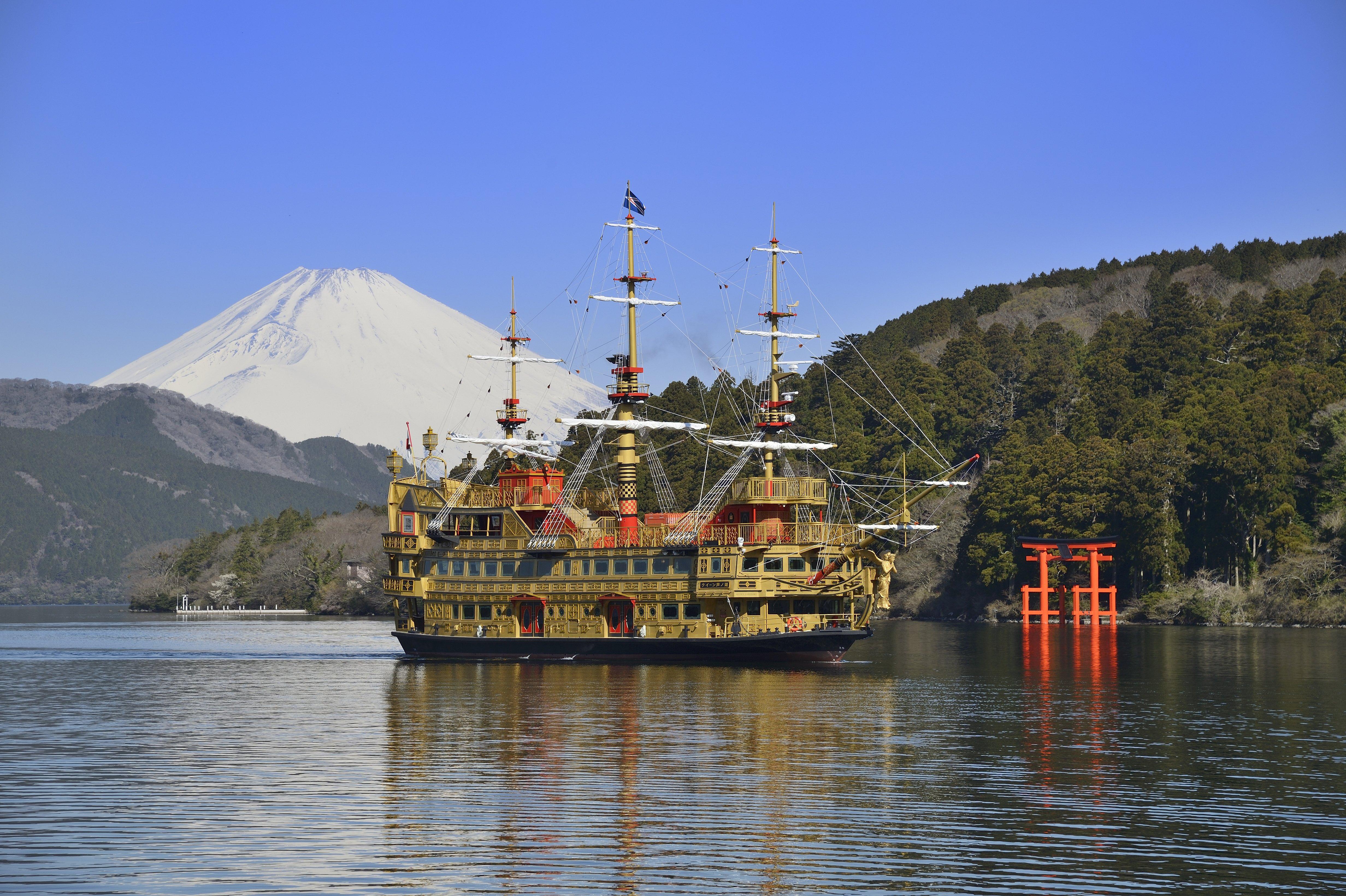 箱根芦ノ湖に浮かぶ「箱根海賊船」におすすめのデートプランをインタビュー!