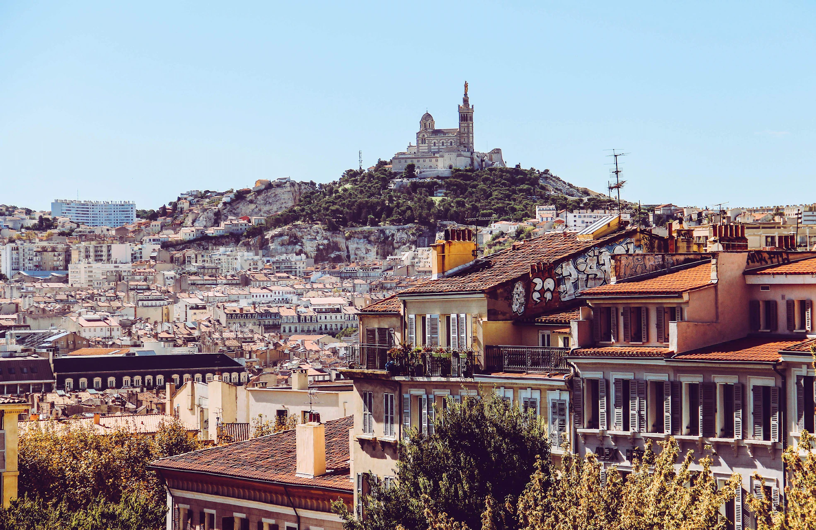 A daylight look at Marseille and its hill
