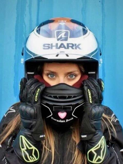 Alicja in her motogear!
