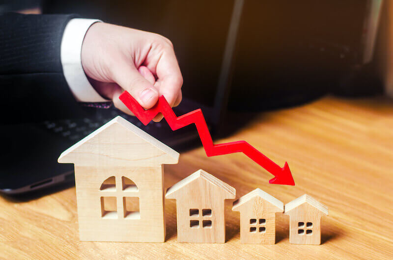 Gazundering from cash house buyers - it means they drop their offer.
