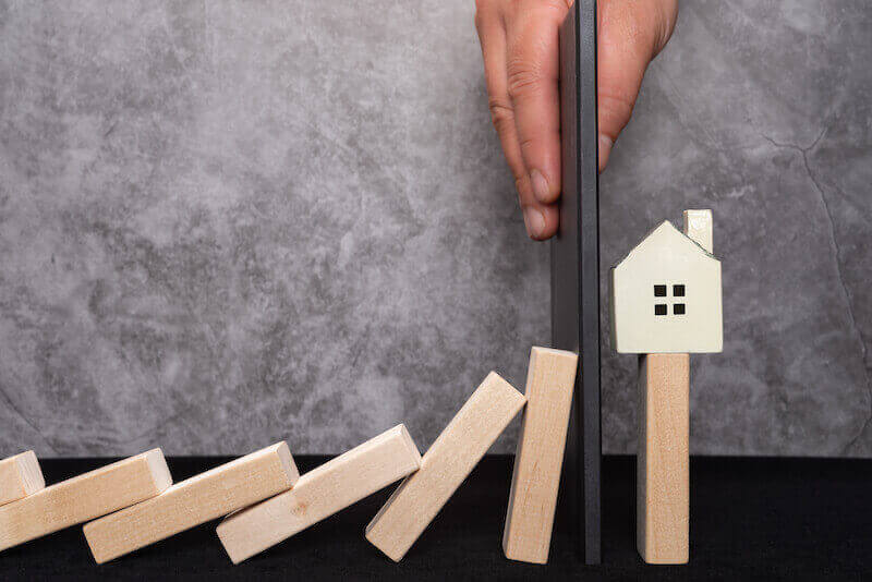 Housing chain failure - the dominoes fall but we can help protect your sale