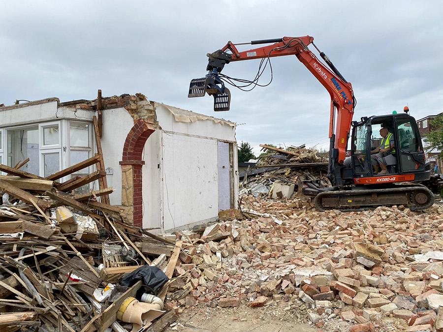 London Demolition Contractors - Full Garage Demolition with Asbestos Removal Service