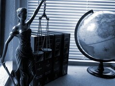 What Happens During a Legal Consultation?