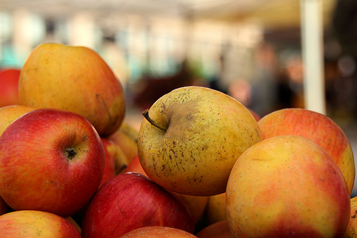 Apples at Farmer's Market by Mr. T in DC