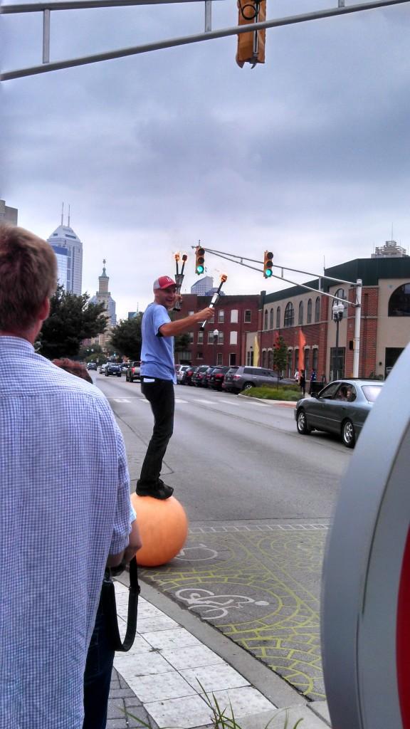Juggling preparing to cross the street - 6