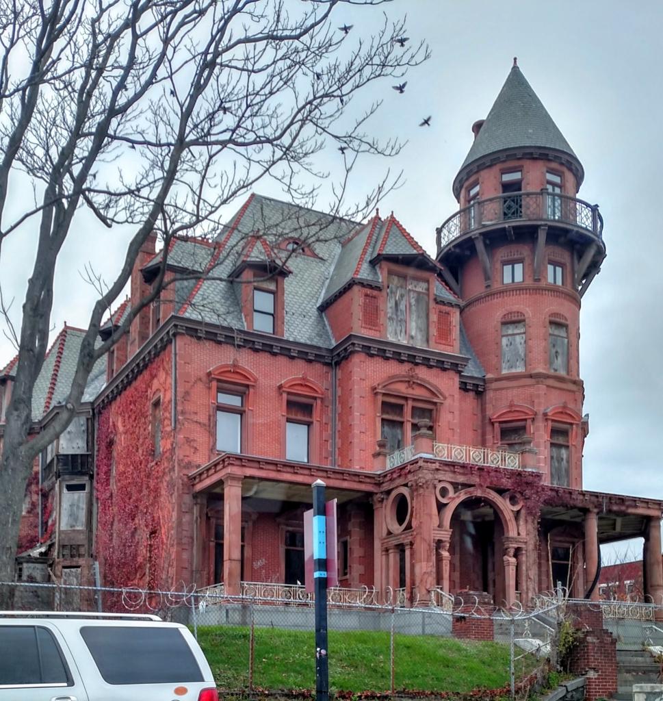 Spooky House in Newark
