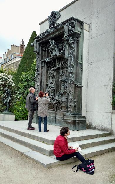 Patrons admiring the GoH
