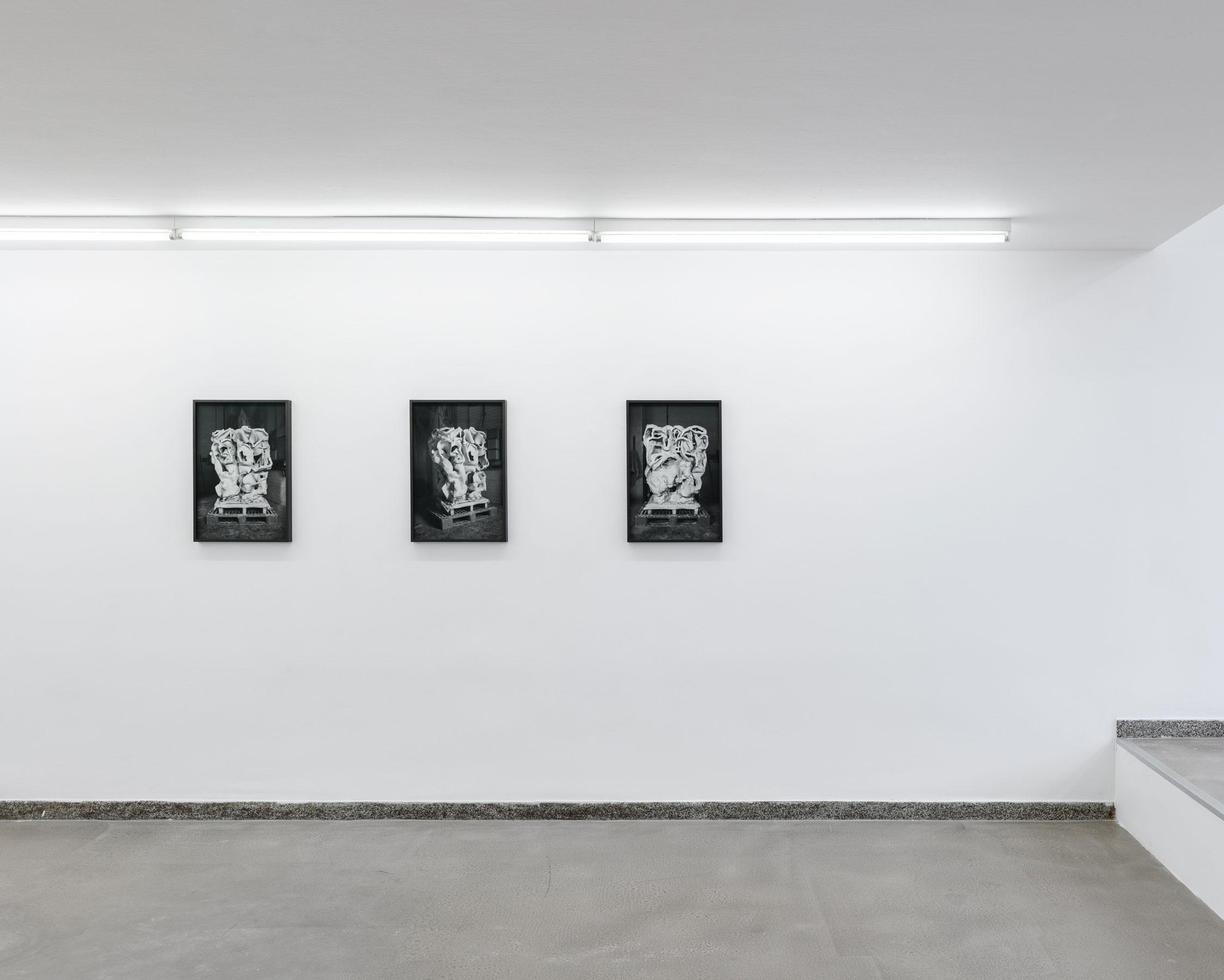 von-allen-seiten_Karweick_Moritz_Temple-Triptychon_2021_09