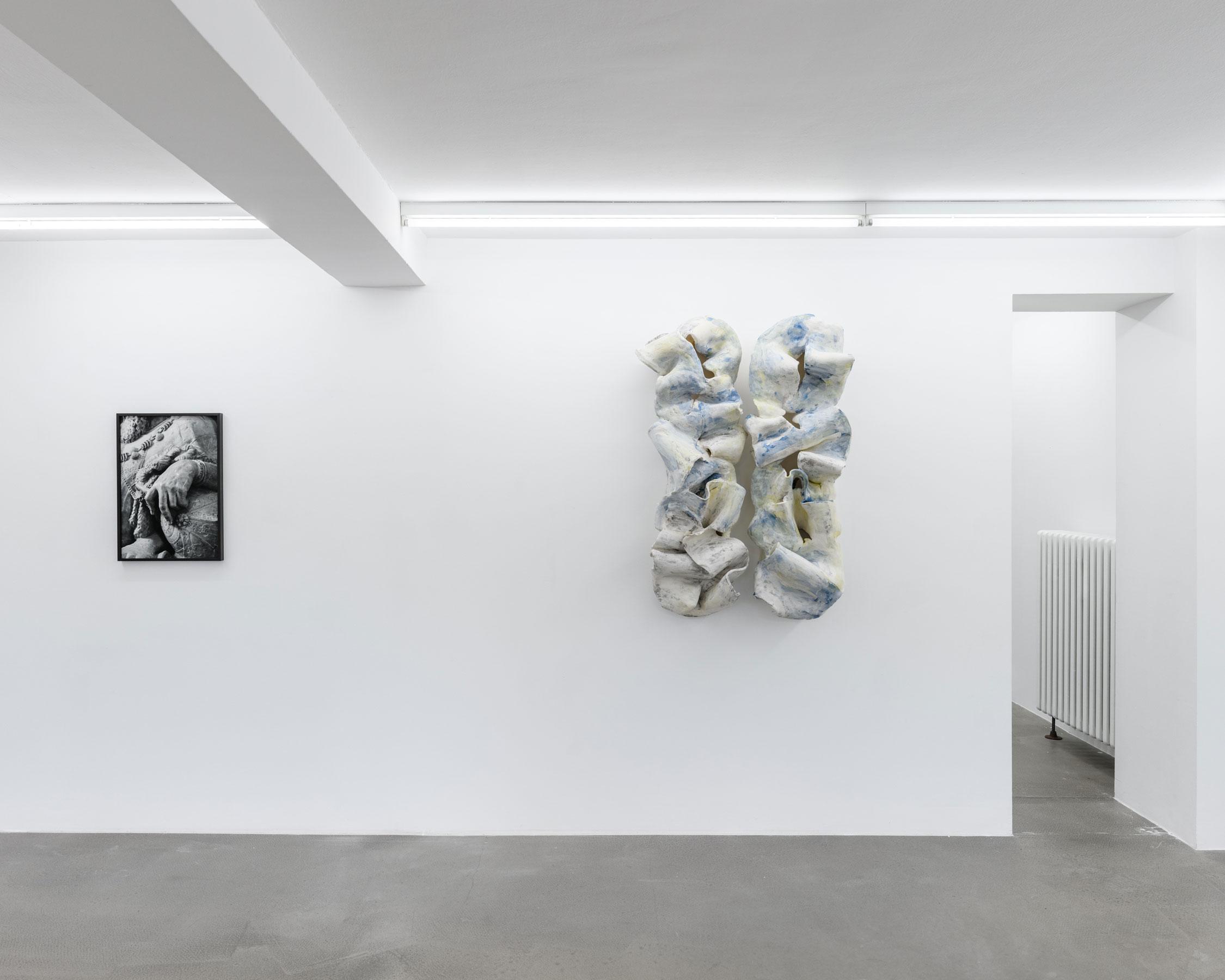 von-allen-seiten_Karweick_moritz_installation-view_2021_11