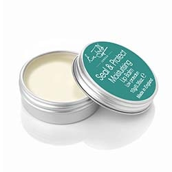 An emollient lip protector with broad spectrum sunscreens to soften and soothe the skin of the lips keeping them supple and hydrated.