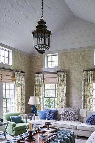 phòng khách mang nhiều nét lịch sử từ cổ xưa