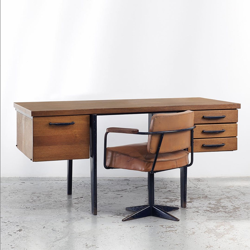 Standard BS 21 Antique Wood Desk