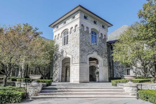 exterior of asherwood mansion