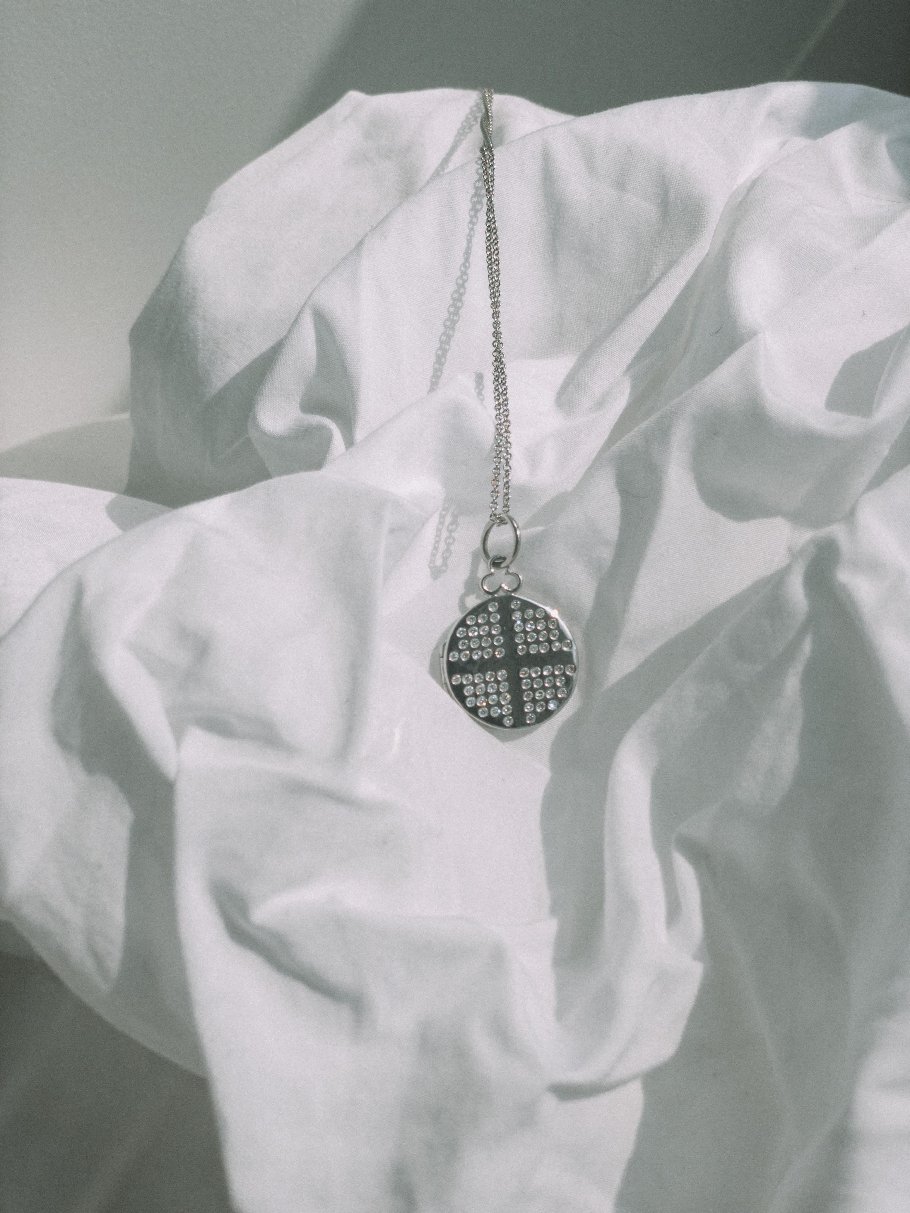 Devon Woodhill locket