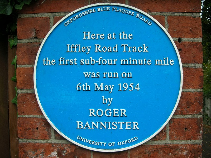 https://upload.wikimedia.org/wikipedia/commons/thumb/7/79/Iffley_Road_Track%2C_Oxford_-_blue_plaque.JPG/800px-_blue_plaque.JPG