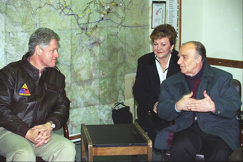 Alija Izetbegovic meeting with US President Clinton in Tuzla, Bosnia