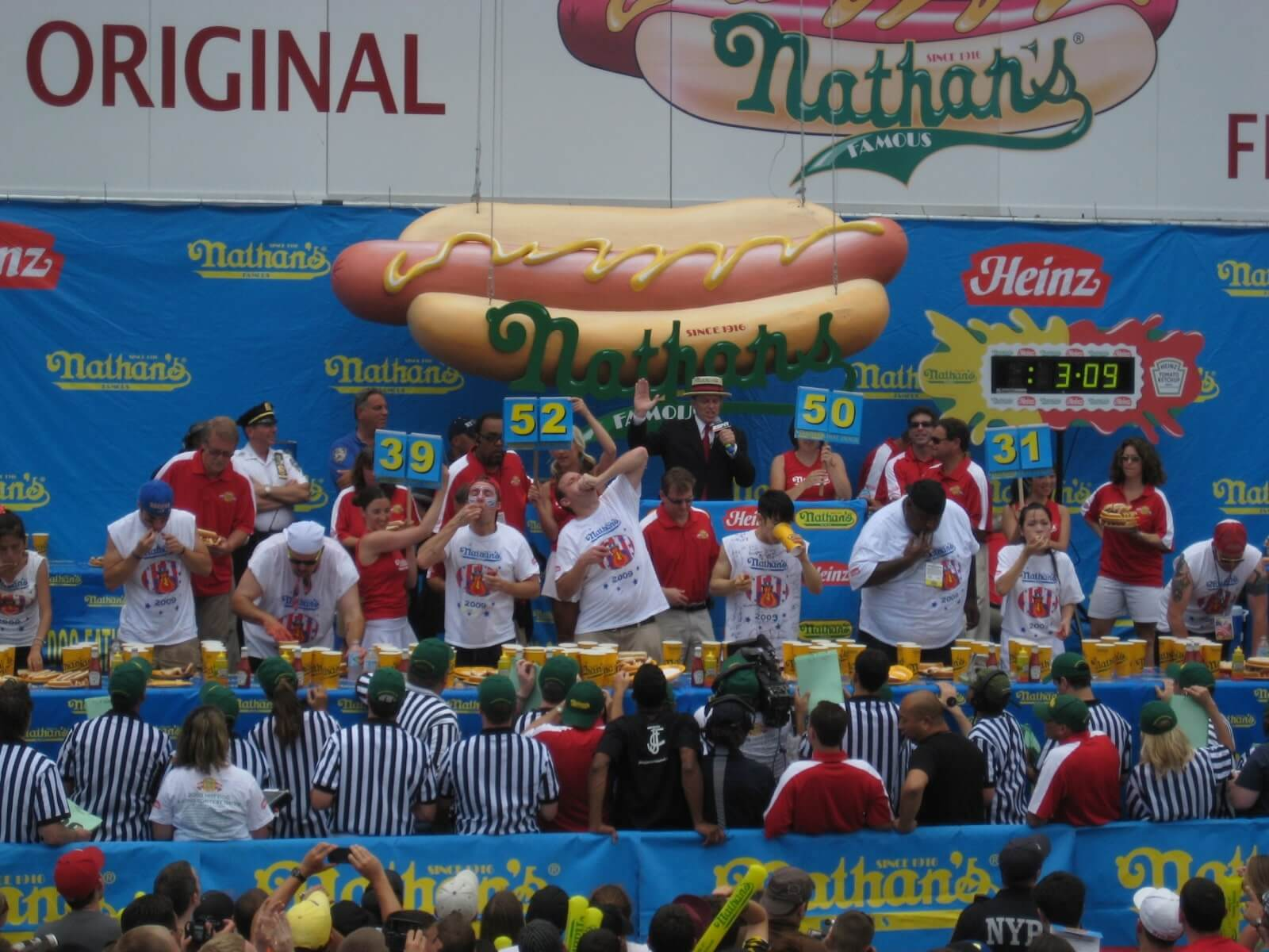 Nathan's 4th of July International Hot Dog Eating Contest