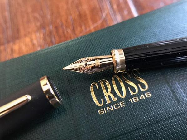 Bút máy Cross