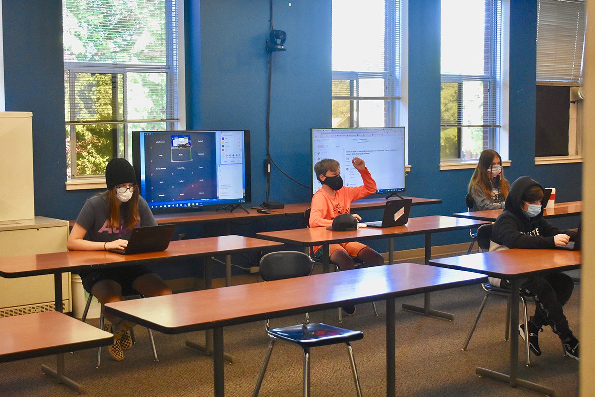 Estacada students participate in comprehensive distance learning
