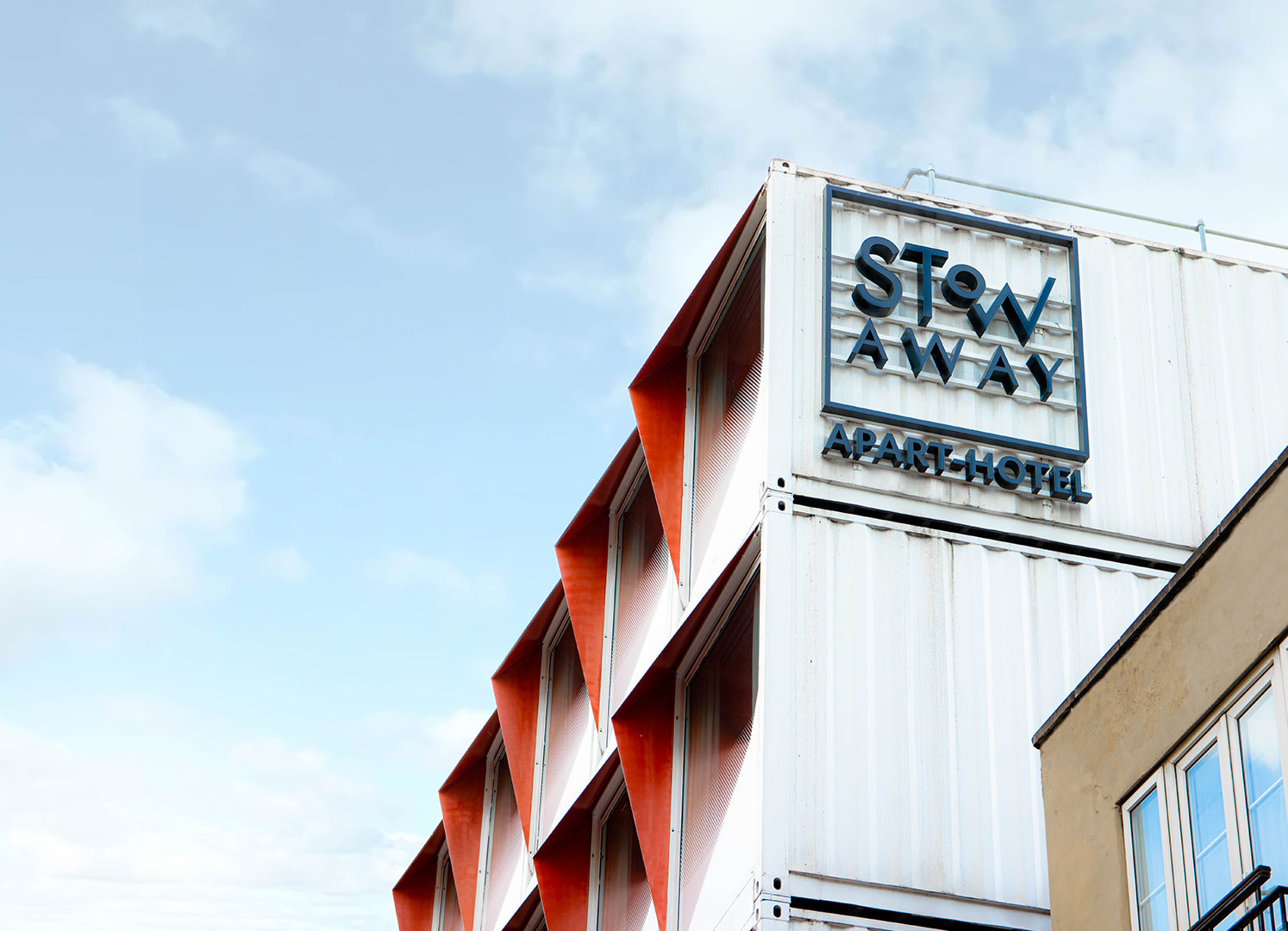 Exterior shot of Stow-Away South Bank, London Eco-friendly Apart-Hotel. Photo by Jamie Melville Ormston commissioned by Stow-Away via KOH-CREATE. CopRight Stow-Away 2020, all rights reserved.
