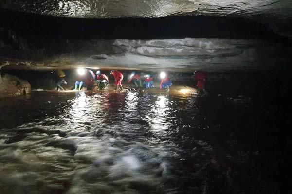 Thesuperbstreamwayof Upper Long Churn Cave