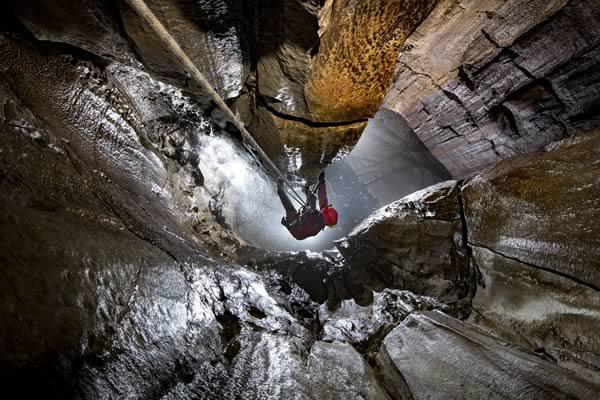 Heron Pot getting vertical (Photo: Mark Burkey)