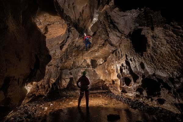 The 6m pitch into the Kingsdale Master Cave (Photo: Mark Burkey)