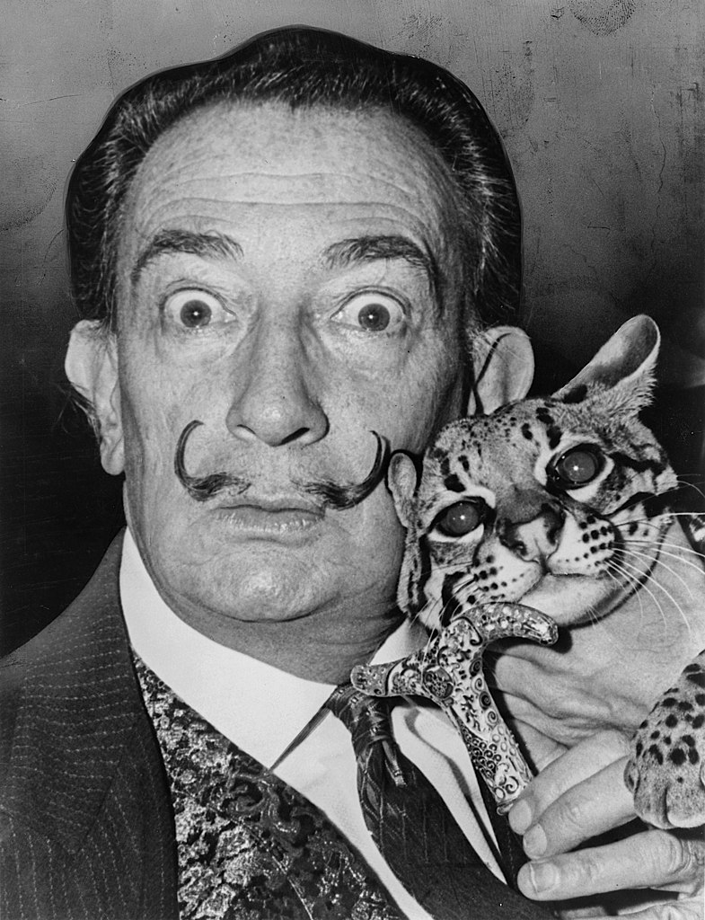salvador dali chat canne moustache cravate