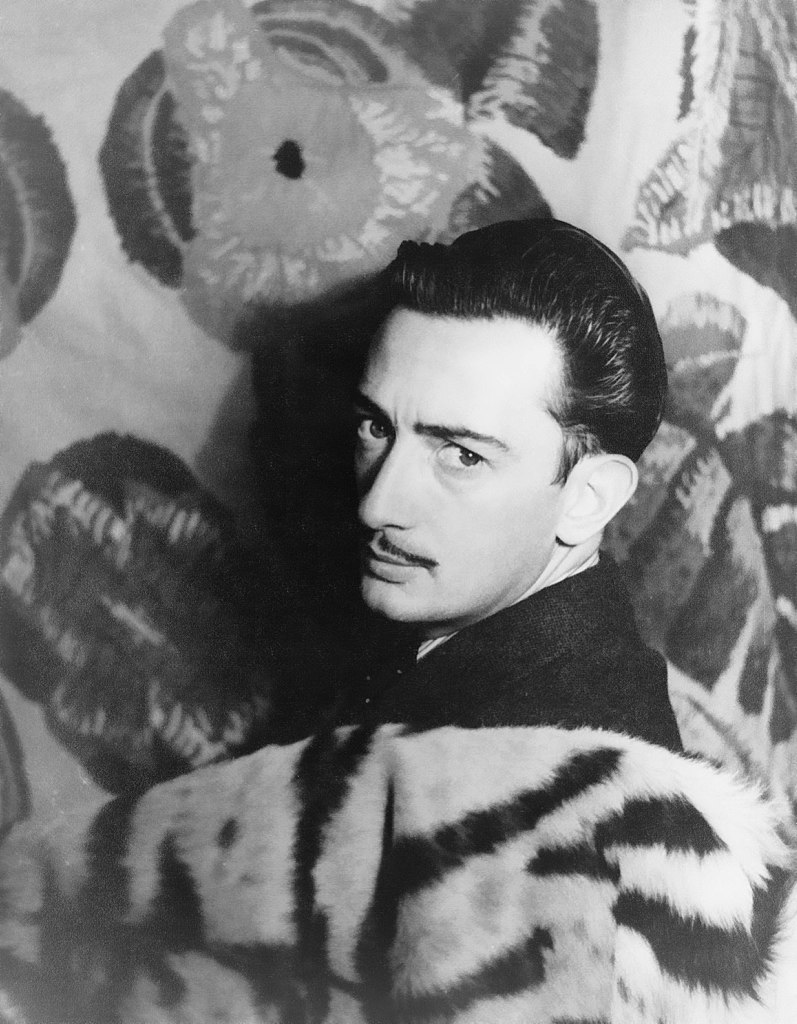 Salvador Dali portrait fleurs Carl Van Vechten