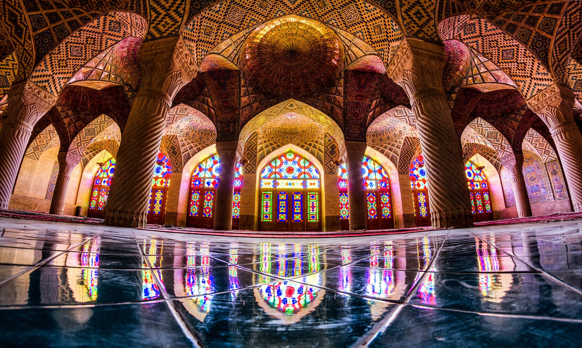 Réverbérations lumière mosquée chiite Nasir-ol-Molk Chiraz Iran