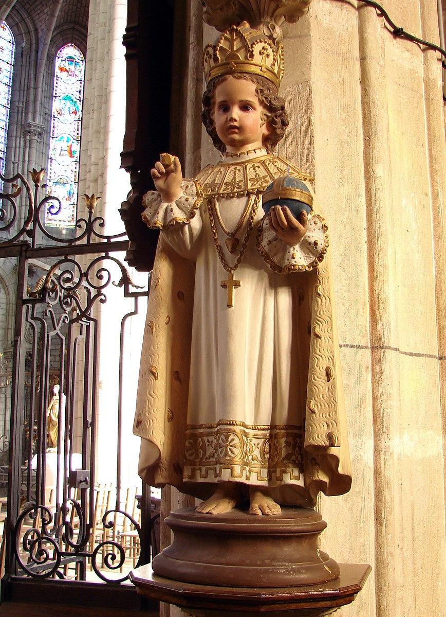 Statue Enfant Jésus Prague église Notre-Dame Joinville