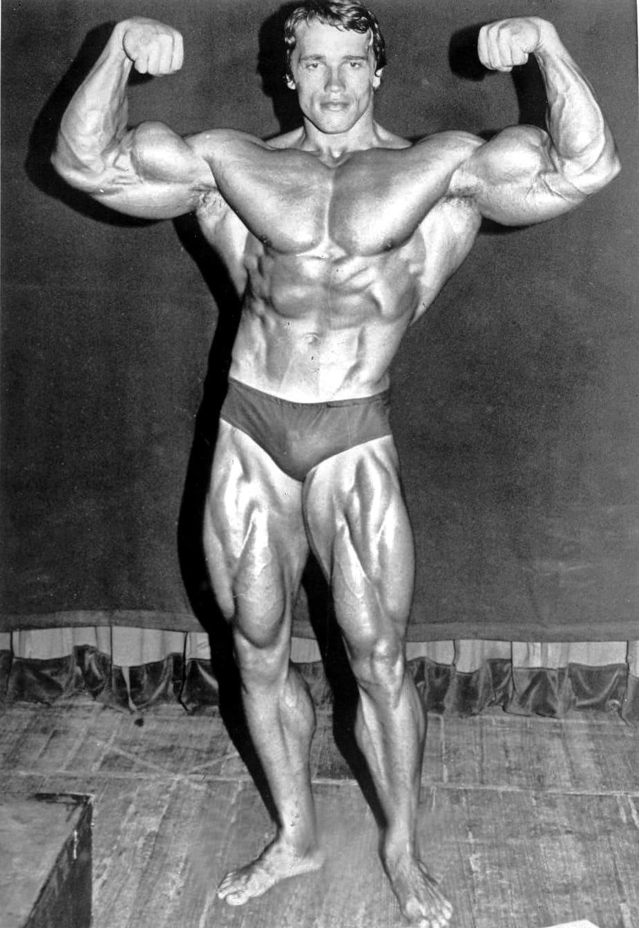 arnold Schwarzenegger muscle jeune culturisme