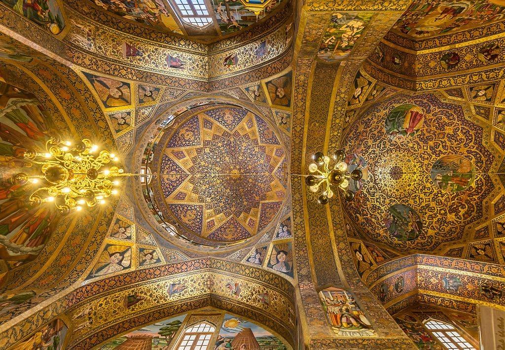 plafond cathédrale saint sauveur iran mosaique