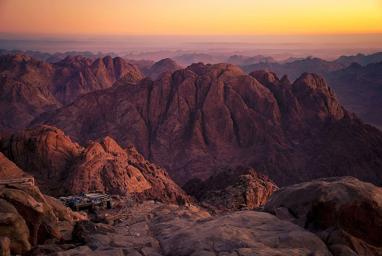montagne lever de soleil roche rouge